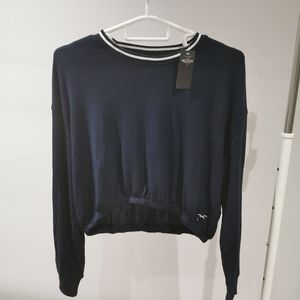 NWT Hollister crop top with long sleeves